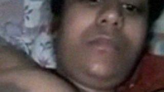 मोटी लड़की ने वीडियो कॉल पे नंगी हुई