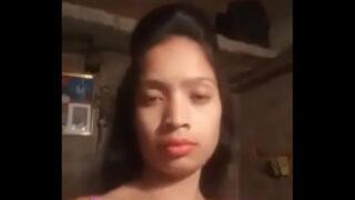 जवान इंडियन टीन लड़की चूत खोली सेल्फी में